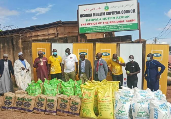 MTN hands over Iftar items to Old Kampala and Kibuli Muslim Headquarters
