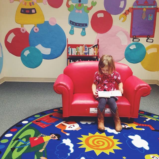 5 tips for taking toddlers and preschoolers to the library...without leaving in tears. And you know I mean Momma tears too!