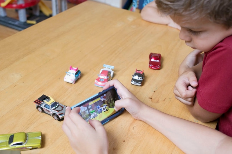Tips for Entertaining Kids on Long Road Trips- plus check out this fun new app and interactive toys that kept my son busy for much of our last trip!