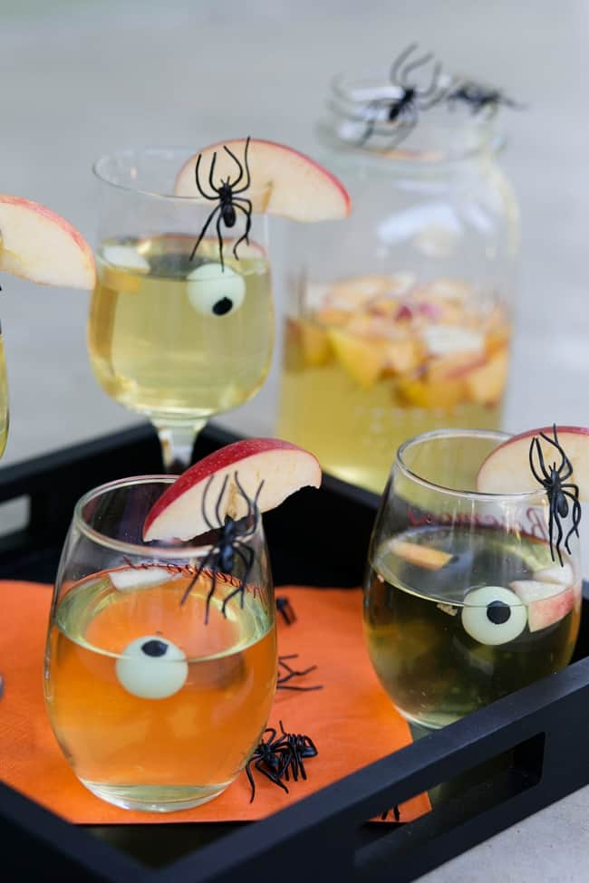 Spooky Apple Sangria {with a hint of peach}