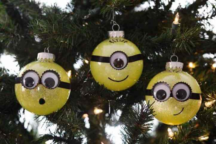 DIY Glitter Minion Ornament