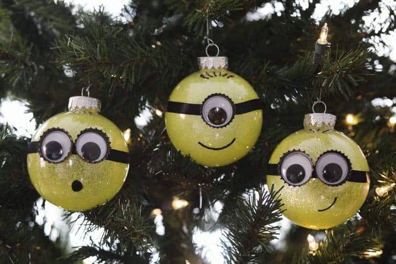 DIY Minion Glitter Ornament
