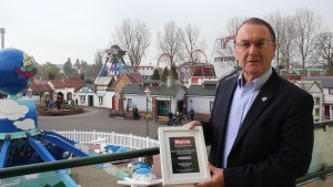 Colin Bryan, CEO at Drayton Manor Park with the What's On Award