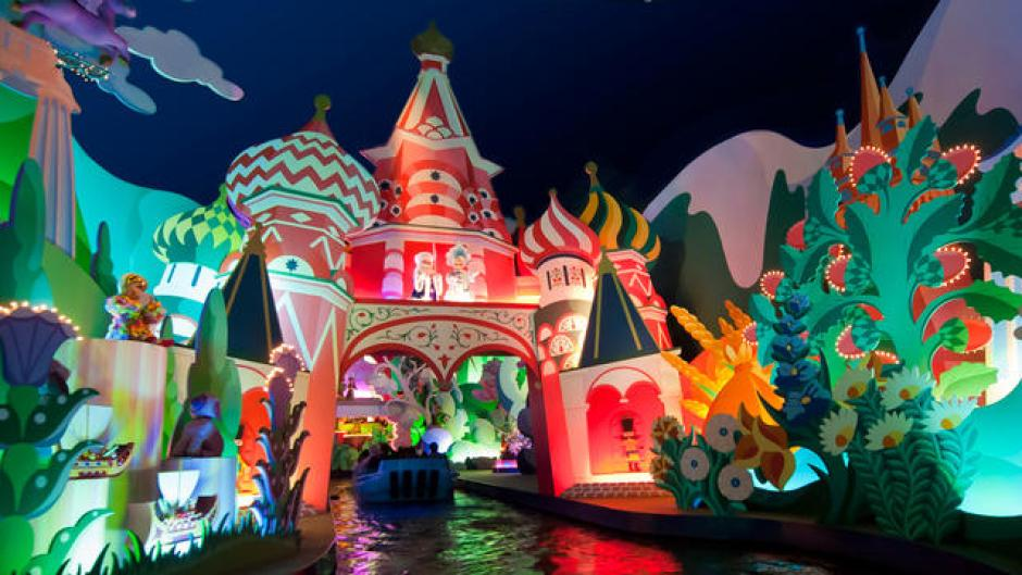 Under 5s at Disneyland Paris its a small world ride
