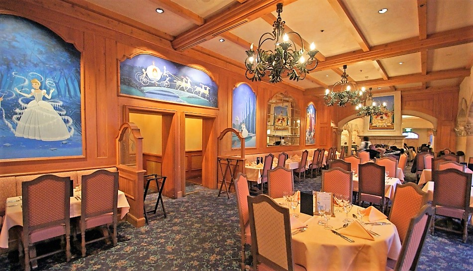 Disneyland Paris Restaurants Auberge de Cendrillon