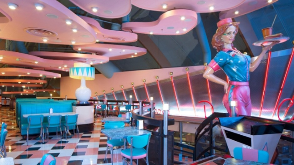 Essential Disneyland Paris Dining Experiences to Enjoy Annettes Diner in Disney Village