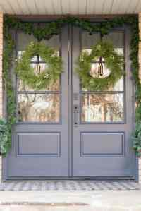 Front Porch Christmas Decorating Ideas - Bigger Than the ...