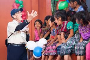 Bob with Guatemalan children