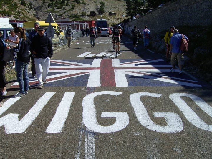 9 tips to painting the road at the Tour de France