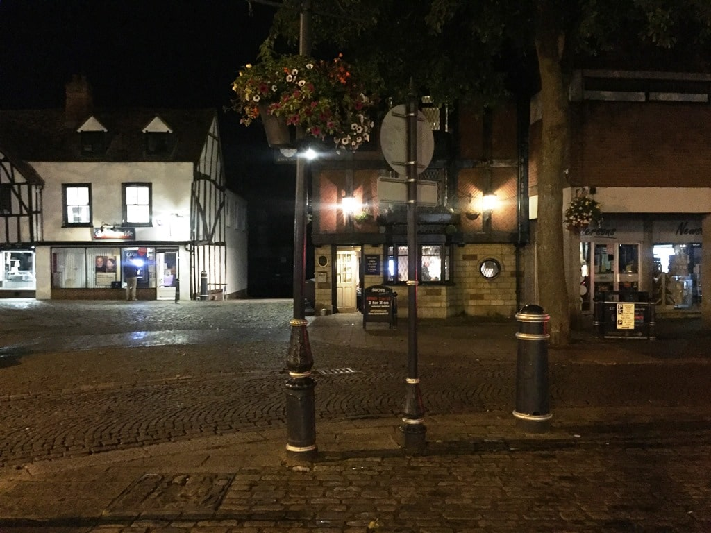 Hitchin Market Square without Simon, looking towards the Rose & Crown pub
