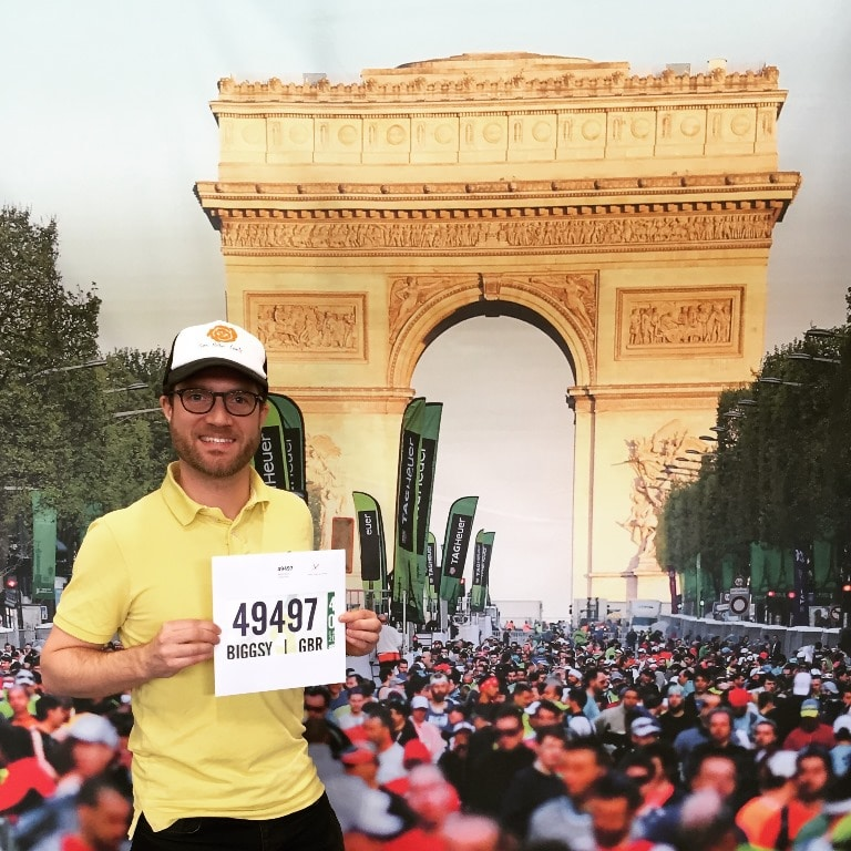 Paris Marathon tips - finding a good backgrond for my bib number photo
