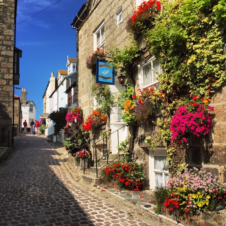 Pretty Bunkers Hill juist off Fore Street in St Ives