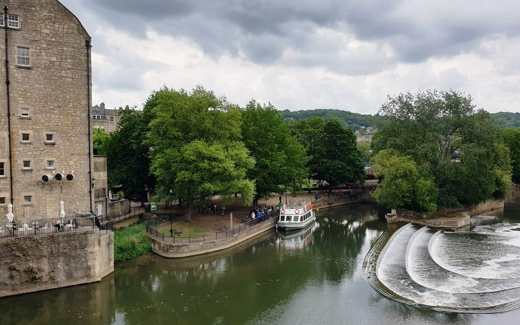 Bath boat trip from Pulteney Bridge to Bathampton