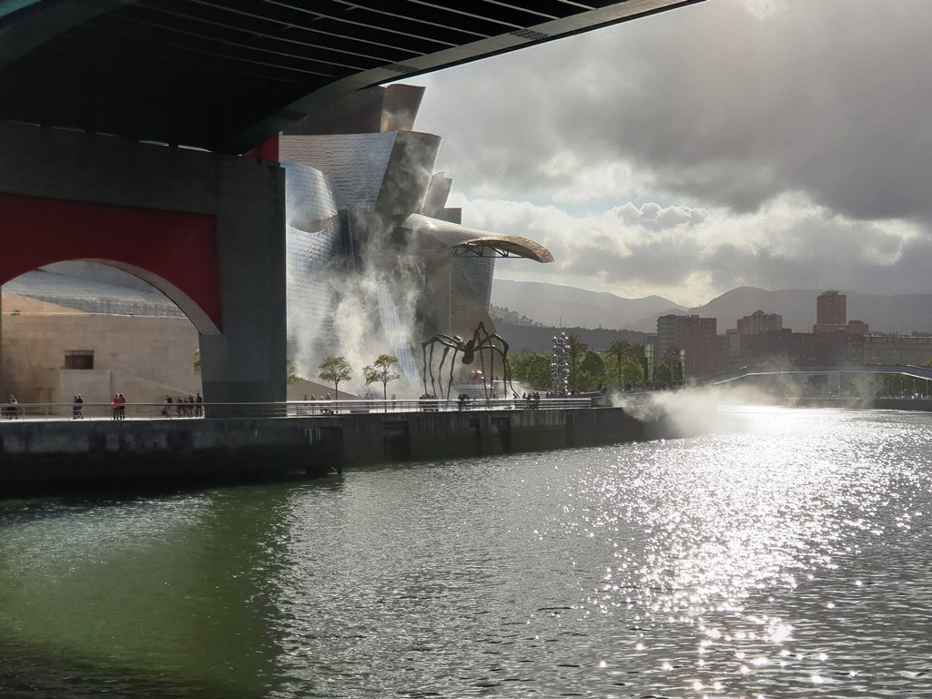 The Spider sculpture and Guggenheim Museum Bilbao