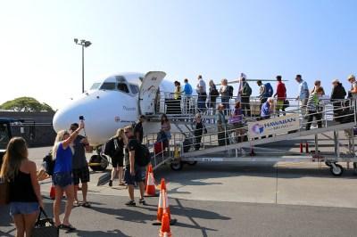 Hawaiian Airlines Celebrates Inaugural Kona-Līhu'e Flight ...