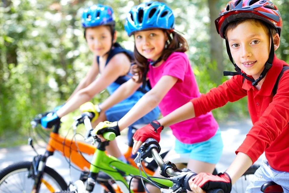 Czy warto wprowadzić sport poprzez zabawę z dzieckiem?