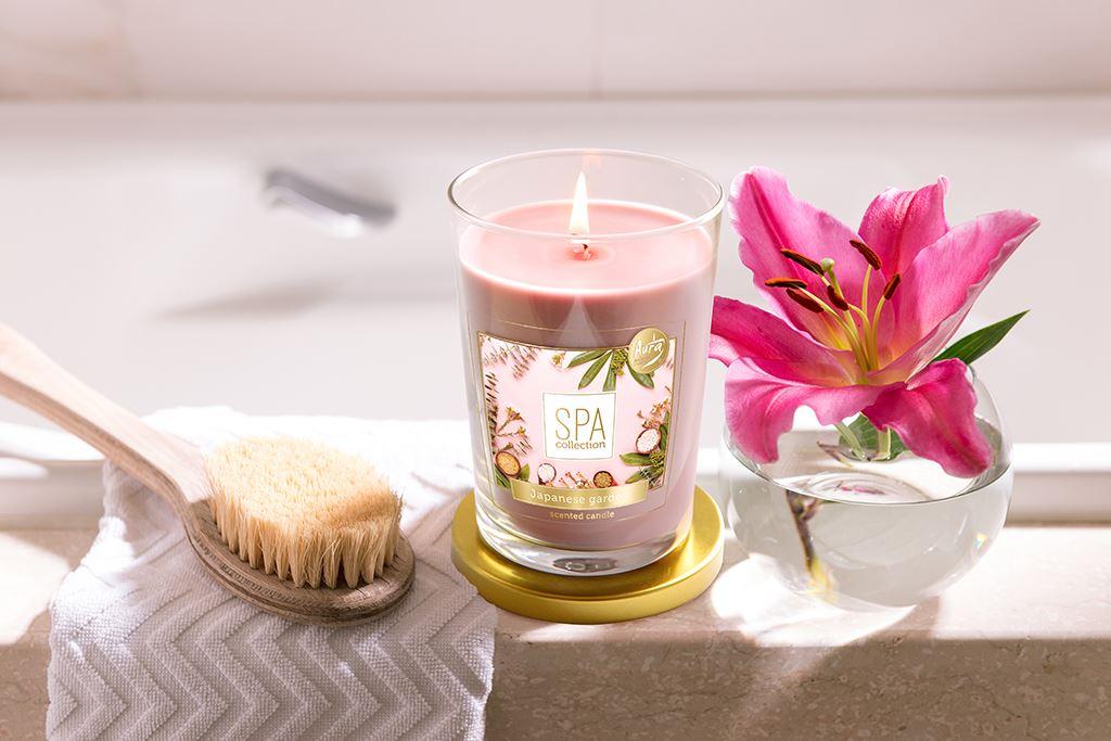 wiosenna świeca o zapachu kwiatów