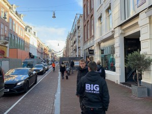 Big Outdoor Media steigerdoekreclame montage PC Hooftstraat Amsterdam