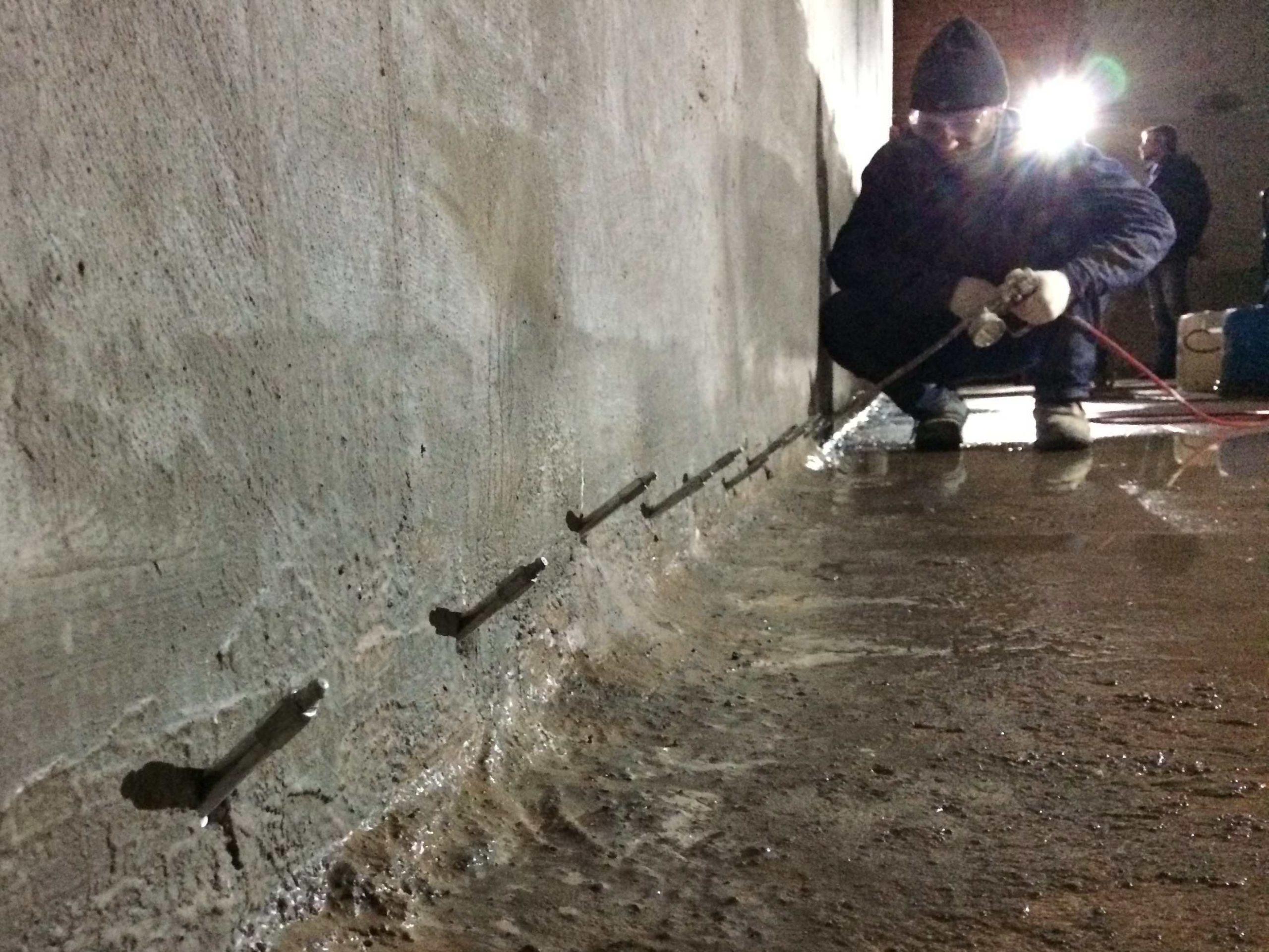Гидроизоляция инъектированием полиуретановых смол в трещины и швы