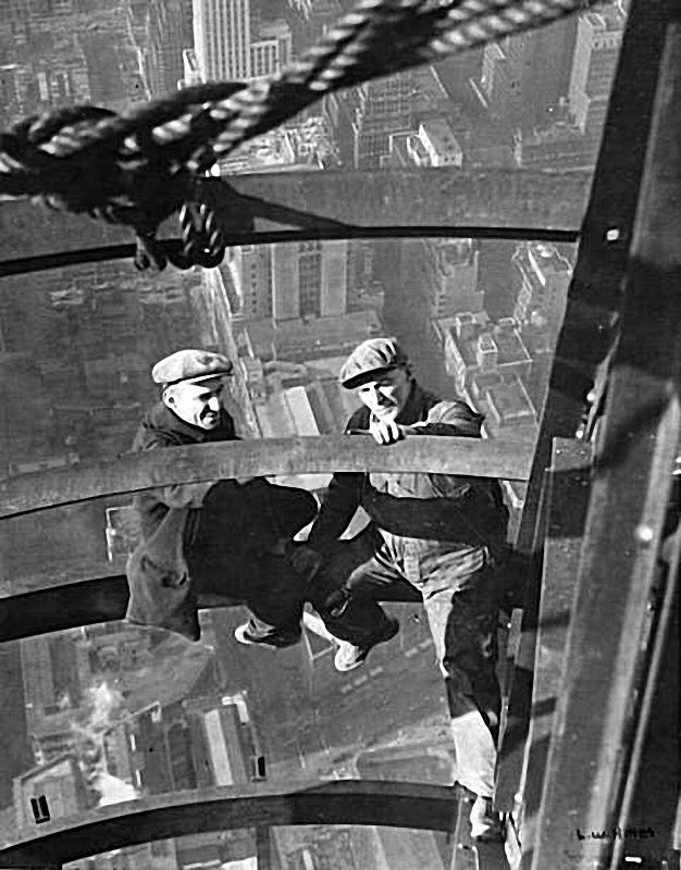 0145 Самые головокружительные фотографии со строительства небоскребов Нью Йорка