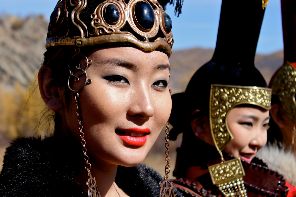 from-topix-mongolian-woman-right-girls-with-beer-pictures