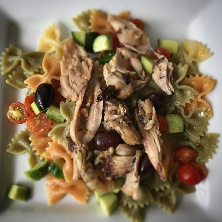 Going Greek tonight! Souvlaki marinaded oven roasted chicken on a pasta salad. #cleaneating #foodie #bonappetit