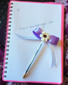 mauds-designs-flower-purple-bow-pen