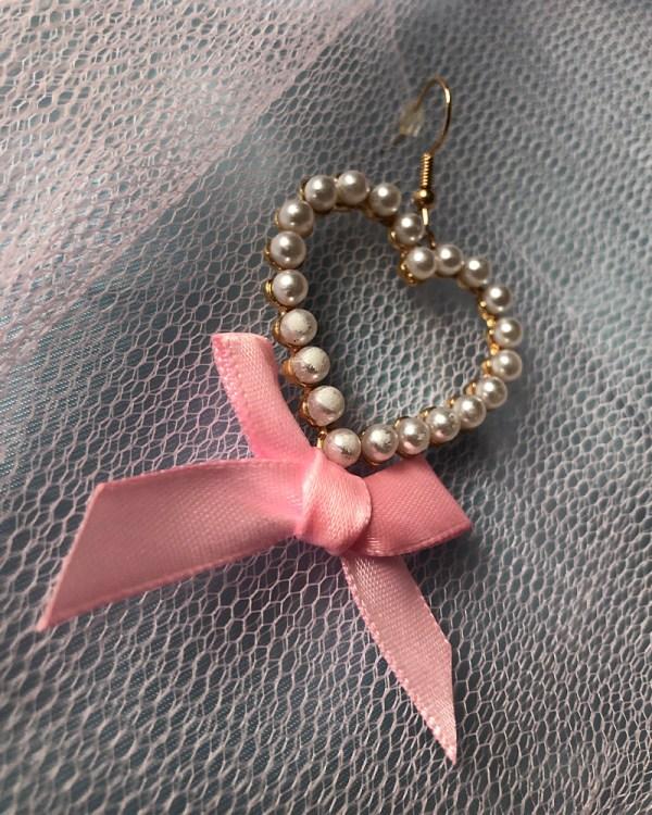 pearl-heart-shaped-gold-earrings