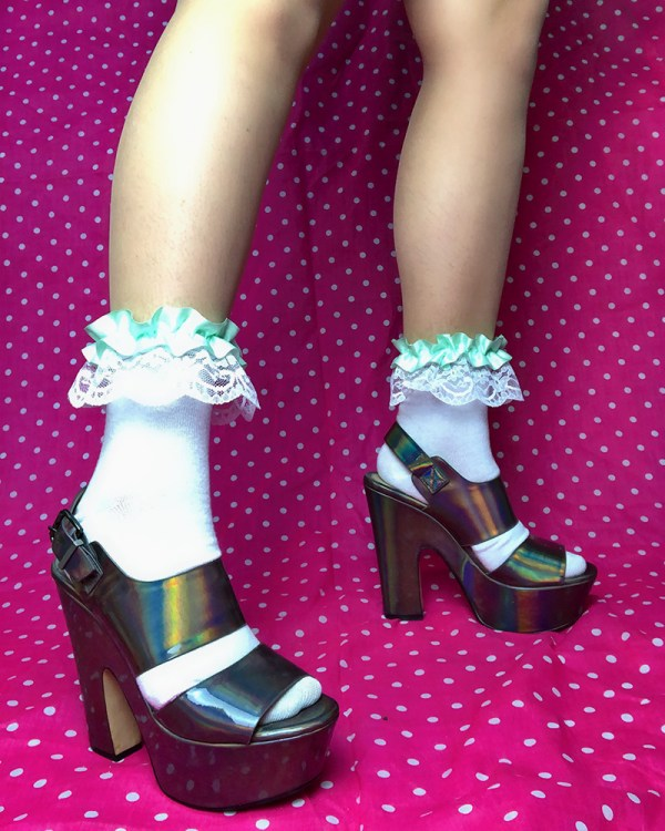 pastel-mint-green-white-lace-cute-ruffle-frilly-ankle-socks