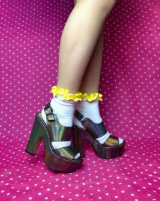 yellow-cute-white-ruffle-frilly-ankle-socks