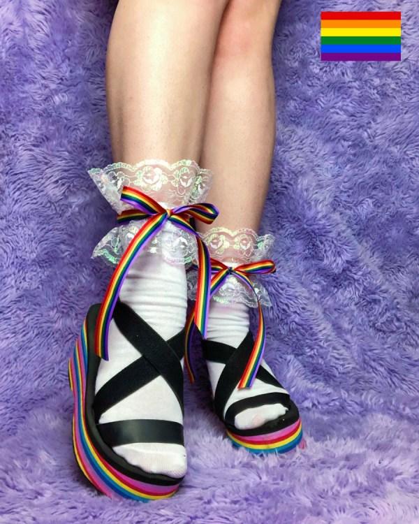 lgbt-gay-pride-flag-rainbow-iridescent-frilly-cute-socks