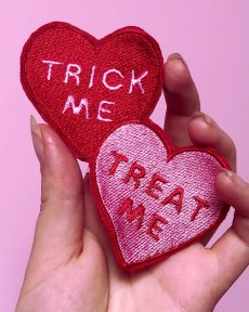 trick-me-treat-me-kawaii-cute-lovecore-red-and-pink-heart-patch