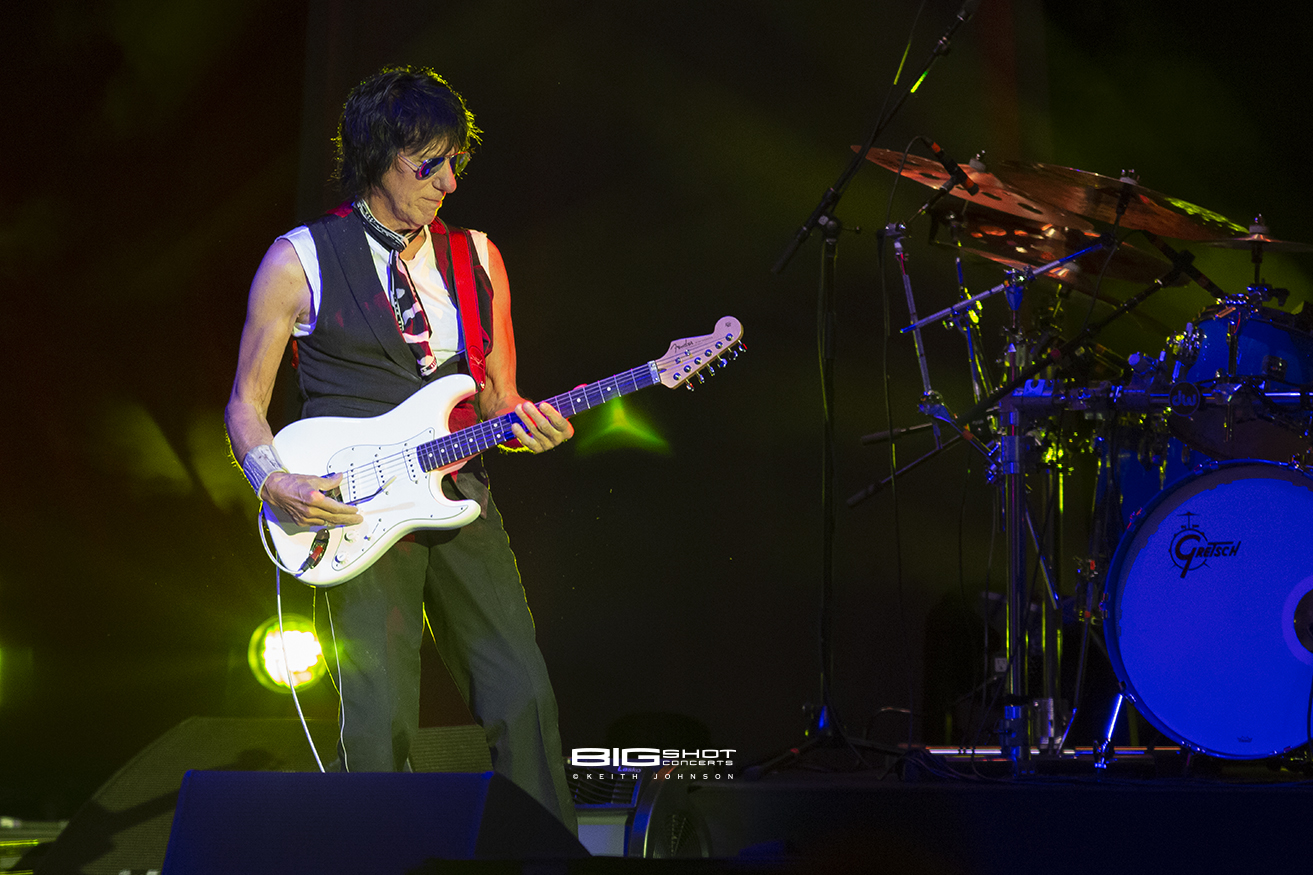 hight resolution of jeff beck stars align tour photo