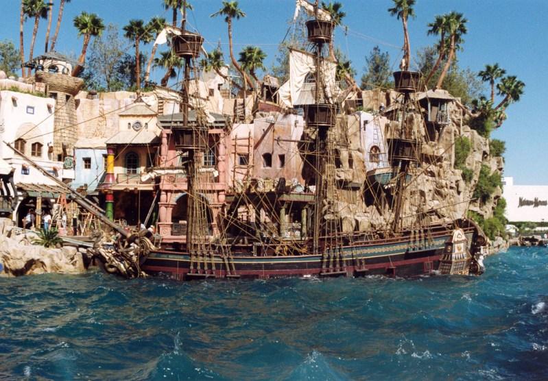 Pirate Ship, Treasure Island sinking