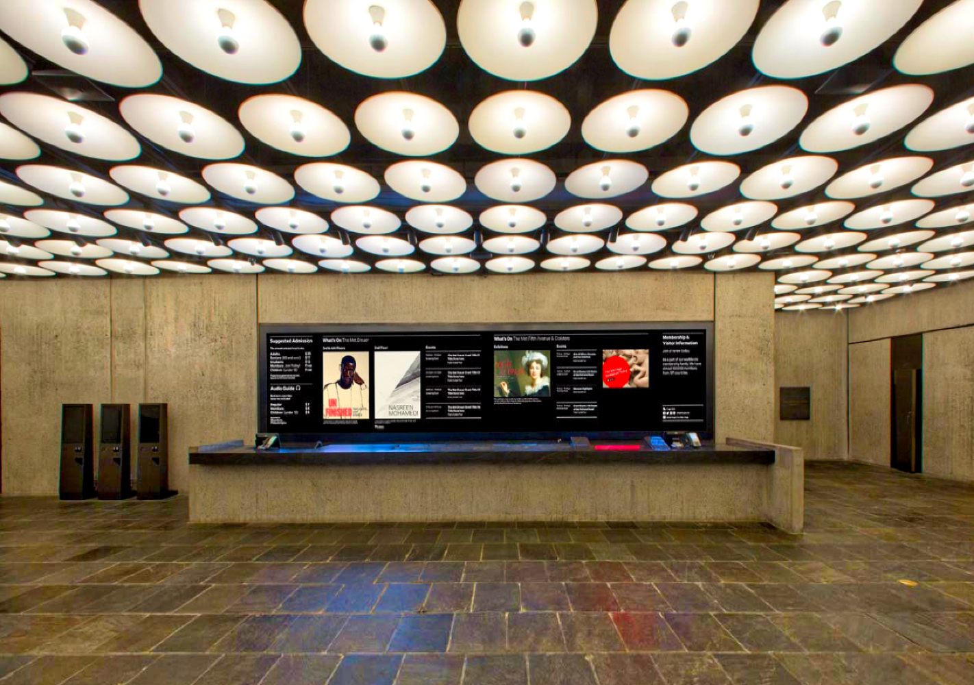 Met Breuer LED Digital Signage Front