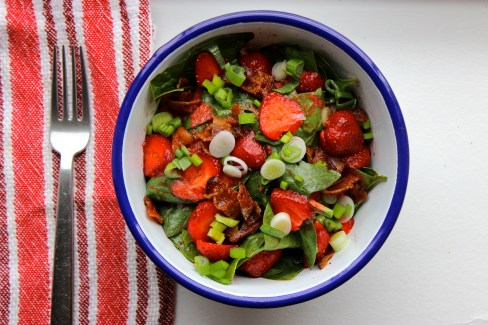 Spinach Salad with Strawberries, Bacon and Spring Onions https://bigsislittledish.wordpress.com/2015/06/14/kerthys-spinach-salad-with-strawberries-bacon-and-spring-onions-a-hedonists-guide-to-strawberries/