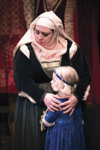 Mezzo-soprano Cindy Sadler played the role of Gertrude, Juliette's nurse. The child, played by Siri Saeteren, now a first-grader, represented innocence throughout Roméo et Juliette. | Photo by Bruce Jodar: Wildeye Photography and Rufus Cone