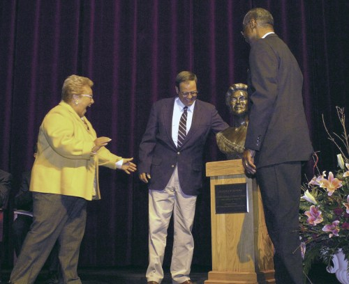 The unveiling of a sculpture of internationally renowned opera singer Marilyn Horne at the Blaisdell Arts and Cultural Center in Bradford, PA. On stage are Marilyn Horne, Dave Hodges and University President Livingston Alexander.