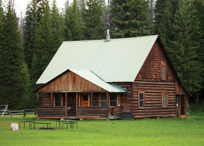 The Wurtz homestead, one of several Forest Service rental cabins north of Polebridge.