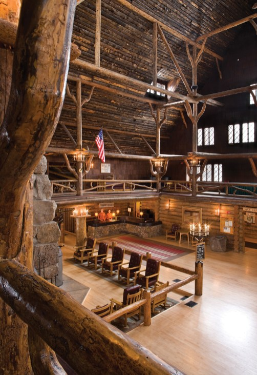 Compared to a fantasy-like treehouse, the logs in the lobby retained their bark until the 1940s.