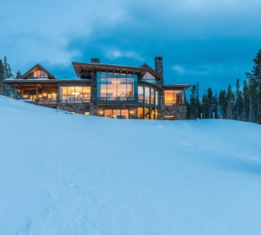 Architect Reid Smith designed this Yellowstone Club home, situated on a peninsula-like lot, to capture views from all sides.