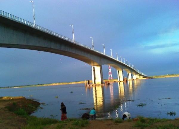 Ponte AEGuebuza
