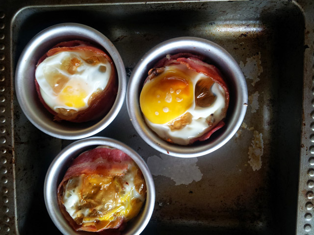 fry up in a cup - bacon, egg, mushroom, bread
