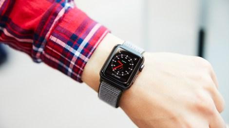 swim with an Apple Watch