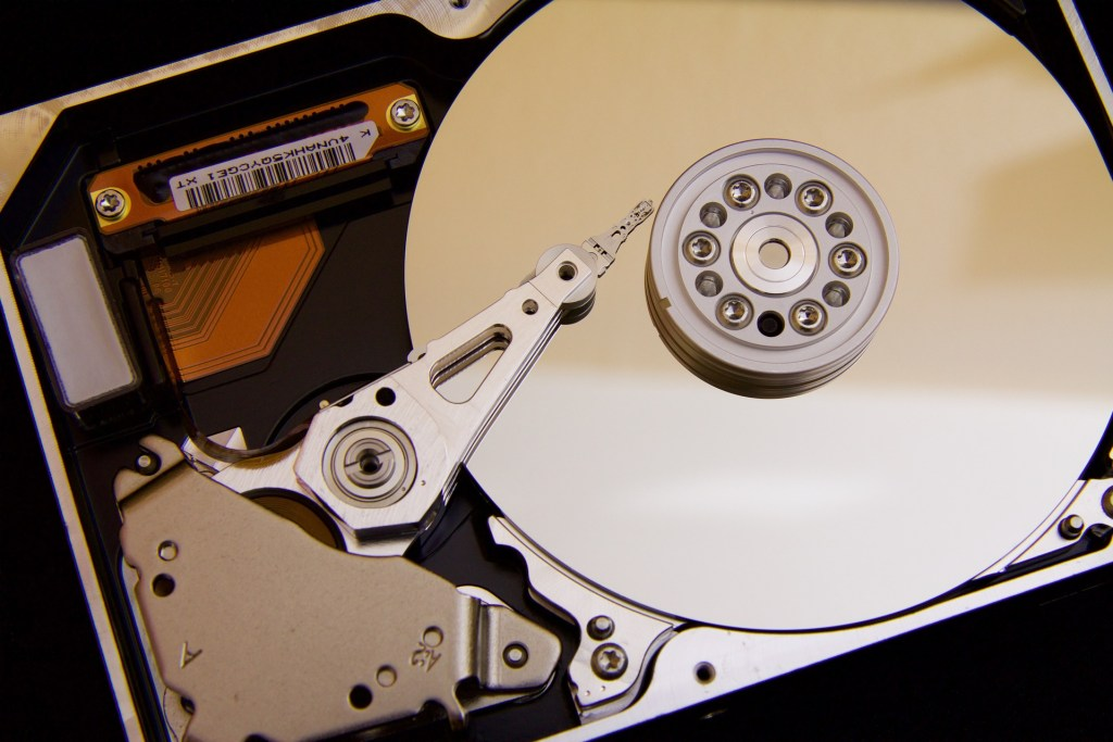 what is an ssd vs hard disk
