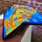 Huawei Mate Xs folded