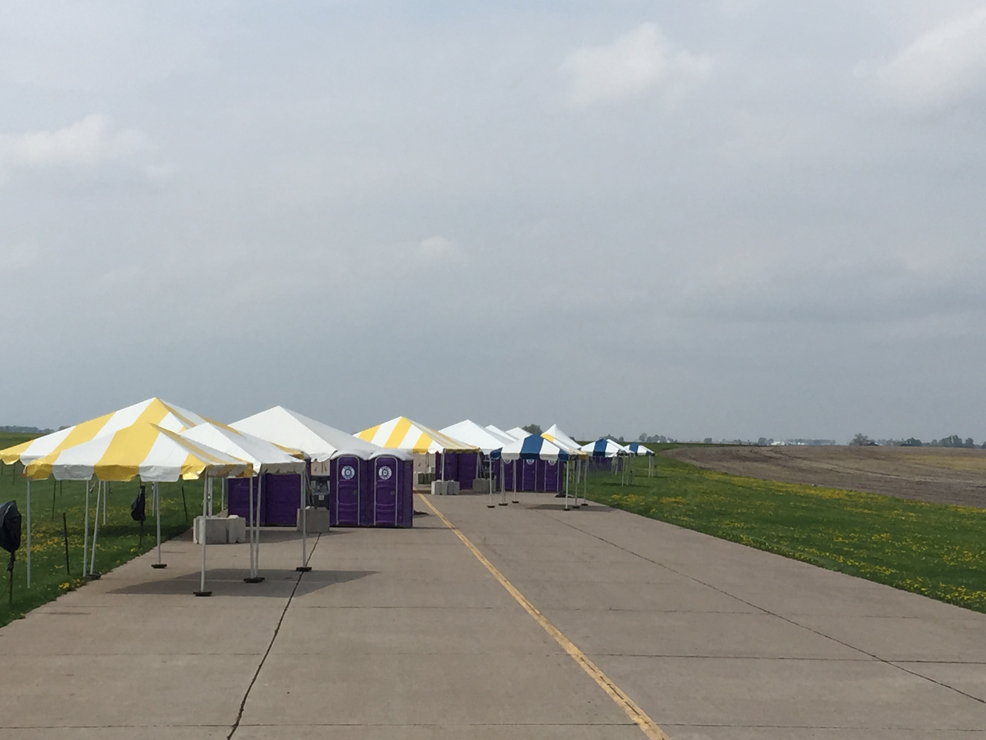 chair cover rentals quad cities flexsteel swivel event set up for 2015 city airshow in davenport ia