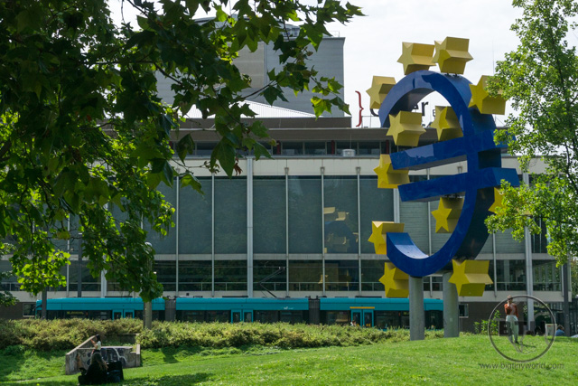 A large euro statue in Frankfurt, Germany
