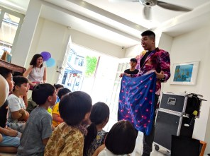 Hire Kids Magician in Singapore