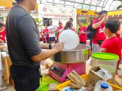 Live Candy Floss Station for Event